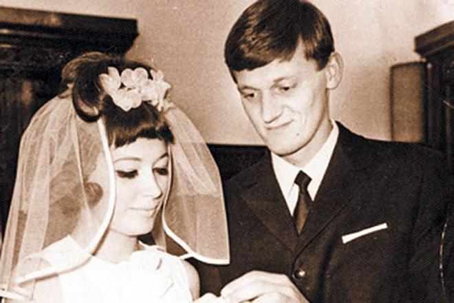 Как выглядели в день своей свадьбы Пугачева, Ротару и другие звезды СССР